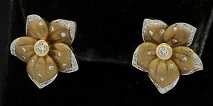 Vintage 14K yellow gold elegant 1.0CT VS diamond flower earrings