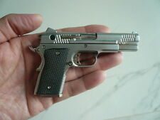 Smith & Wesson 945,  DISPLAY MODEL SCALE 1/2.5