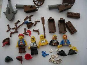 NICE LOT OF LEGO MINIFIGURE  PIRATES , CANNONS , COINS ECT..