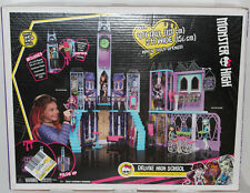 Mattel Monster High DELUXE HIGH SCHOOL PLAYSET 4 FT. TALL Doll House BRAND NEW