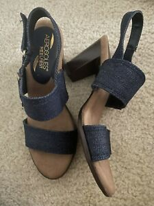 Aerosoles 6 1/2 M Slingback Sandals Shoes Blue Denim Gold Detail Heel Rest