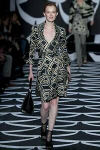 Diane Von Furstenberg knot print  Shirt Dress