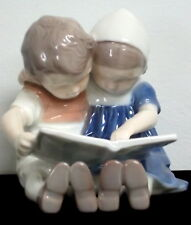 B & G Bing Grondhal Copenhagen Boy & Girl Reading Book 1567 Figurine