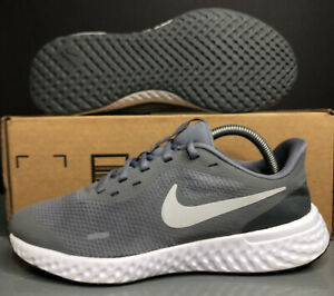 Nike Kids Revolution 5 (BQ5671-004) Athletic Shoes Big Boy's Size 7Y Grey/Wh VG!