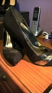 Woman Black And Gold Shoes Size 8