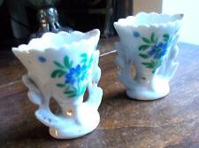 paire de Petits vases en porcelaine decorés