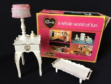 Sindy Bedside Table Lamp 1976 working light Pedigree 44506 furniture tray boxed