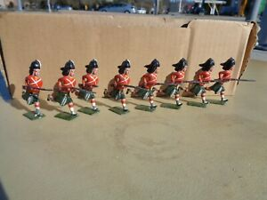 BRITAINS set 15, Lead Toy Soldiers ARGYLL & SUTHERLAND HIGHLANDERS running 1903