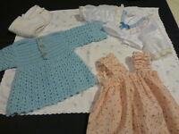 lot=housse de coussin vintage surbrodée  +robes poupées
