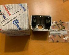 Husqvarna Carburetor Bowl/Tub w/ floats and spring OEM 800060502 TE-TC 410/610