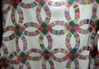 """Vintage Handmade Double Wedding Ring QUILT 72"""" X 88"""" HAND Quilted Scalloped"""