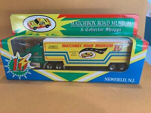"""Matchbox CY109 Ford Aeromax - """"Matchbox Road Museum"""" Limited Edition Code 1"""