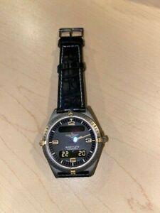 BREITLING Aerospace Gold Titanium Quartz Mens Watch F56061 leather strap