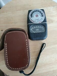 General Electric Light Meter GE Exposure Type DW-68 W & Leather Case Tested USA