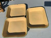 Bundle 3 large vintage enamel cooking tins cream & green lot MRE100420E