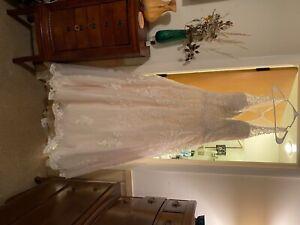 Size 18 Women's David Tutera wedding dress