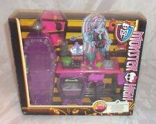 Monster high home ick classroom abbey bominable rare playset school class 2013