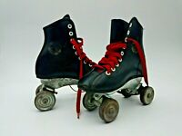 Official Roller Derby Roller Skates  Child Size 13 Metal Wheels