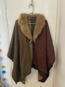 New Look Womans Winter Cape Poncho Brown With Fur Collar One Size. D023321