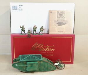 BRITAINS 08946 WWI BRITISH MARK 1 TANK MOTHER MALE BOXED SET nz