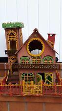 ancienne maison de poupee ou autre  en bois