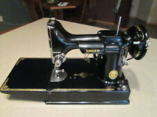 VINTAGE SINGER 221-1 FEATHERWEIGHT SEWING MACHINE W/CASE MANUAL & EXTRAS