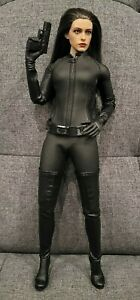 Hot Toys Sideshow Exclusive The Dark Knight Rises Selina Kyle Catwoman Figure