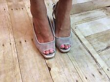 DONALD J PLINER Open Toe Slingback Wedge Style Shoes 10M Silver Net Fabric