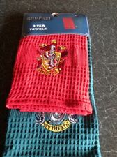 Harry Potter Waffle Style Red GRYFFINDOR Green SLYTHERIN 2x Tea Towels Primark