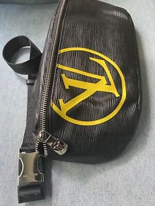Black And Gold Supreme Waist Bag Fanny Pack Box Logo