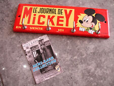 PLAQUE EMAILLEE JOURNAL DE MICKEY vente ici DISNEY  accroche clé torchon  email