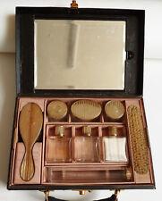 Nécessaire de toilette en vermeil et cristal vers 1920 flacons parfum brosse