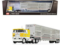 Peterbilt 352 COE Cabover Livestock Trailer 1/64 Diecast DCP First Gear Yellow