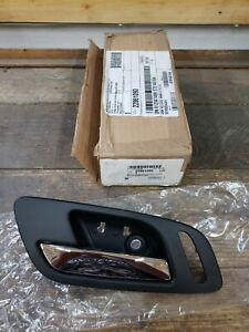 NEW NOS OEM GM 2007-14 Cadillac Escalade LH Interior Door Handle Front 22861090