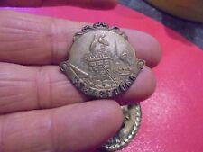 Ancienne Broche  Médaille aux Cigognes sur les Toits de Strasbourg