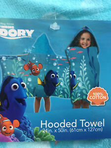 """Disney Finding Dory Hooded Towel 100% Cotton 24""""x50"""""""