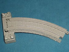 THOMAS THE TRAIN TRACK PLASTIC TRACKMASTER HIT TOY CO.  RAMP CURVE LEFT