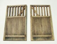 Plus Model Wooden gate straight / Holztor gerade 1:35 Art. 432 Diorama