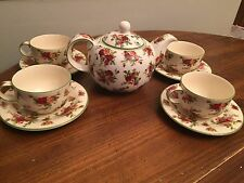 "Royal Albert ""OLD COUNTRY ROSES"" Green Trim ~ 3 Cup Teapot ~ 4 Cups & Saucers"