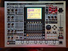 Roland MC-909 Sampler/Sequencer Groovebox ORIGINAL CONDITION RARE