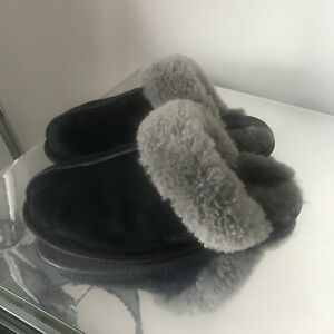 Ugg Australia Slippers Size 5 Uk Black Suede Good Condition