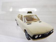 eso-2970Herpa 1:87 BMW 528i Taxi mit minimale Gebrauchsspuren,winzige Kratzer