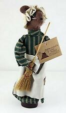 """Pearsons Simply Primitives  10.5"""" Century Farm Chamber Maid Mouse"""