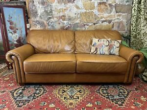 Stunning Vintage Chesterfield Leather 3 Seater Sofa Lounge Chair