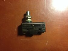 NEW OMRON Z-15GQ55-B plunger-type micro switch