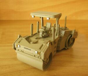1/50th CAT Caterpillar CB-534D Vibratory Asphalt Compactor Truck Model