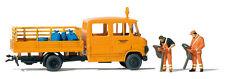 Preiser 33262 HO Straßenmeisterei MB L 407 D 2 Arbeiter mit Laubsaugern , Säcke
