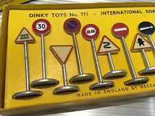 Vintage Dinky Toys / MIB / Famous Road Signs / Complete Set / No. 771