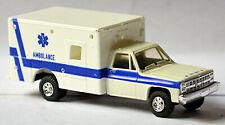 Chevrolet Suburban 4 x 4 Air Force Ambulance 1:87 Trident 90044