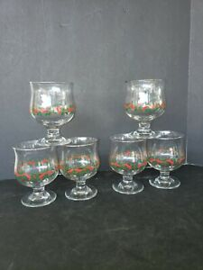 Vintage Christmas Holiday Holly and Berry Glasses Total of Four Compotes